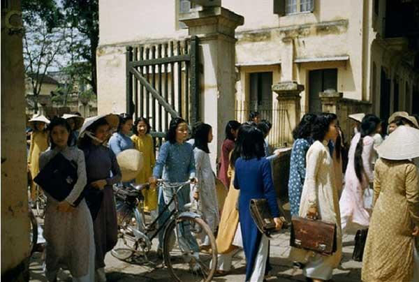 hà nội xưa - sinh viên tan trường